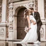 Brautpaar-im-Regen-Schloss-Raesfeld-s